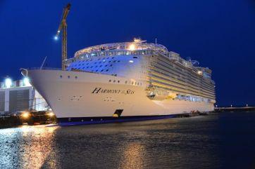 l-Harmony-of-the-Seas-sur-le-chantier-naval-de-Saint-Nazaire.jpg